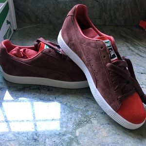 Puma Shoes - Men's Puma The Clyde sneakers size 9 1/2